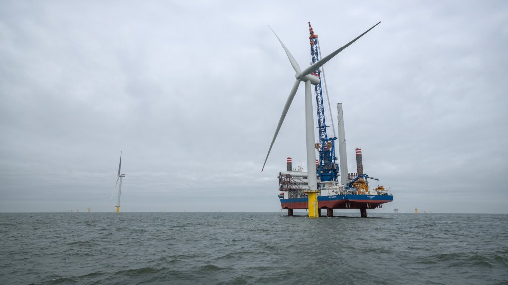 Turbine installation at Dudgeon Offshore Wind Farm