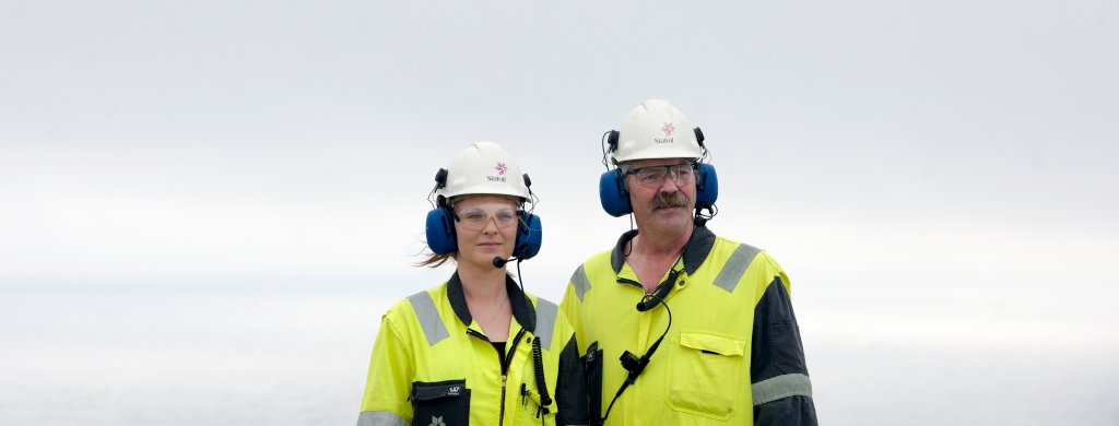 Picture of process technicians Jarl Nystrand and Therese Fredheim who works at Statfjord A