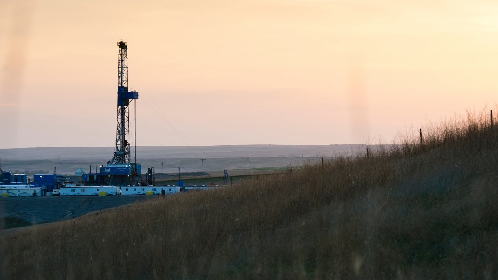 Photo of Bakken, North Dakota at sunset